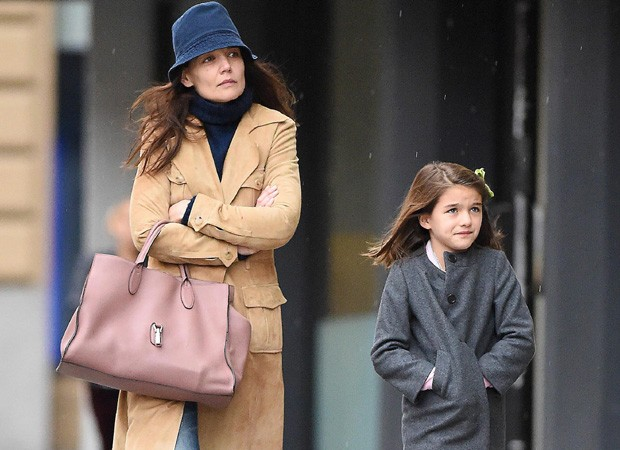 Katie Holmes e Suri (Foto: The Grospy Group)