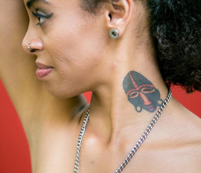 Olha só a tattoo da backing vocal Talita, da Mato Seco! (Foto: Isabella Pinheiro/Gshow)