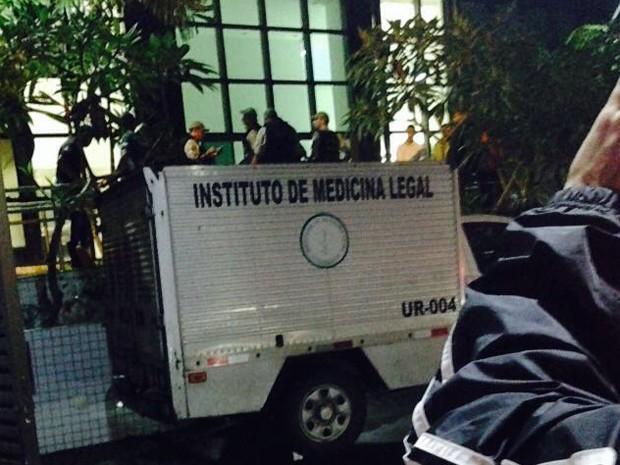 Instituto de Medicina Legal (IML) foi ao local da queda da criança em prédio de Boa Viagem (Foto: Reprodução/WhatsApp)
