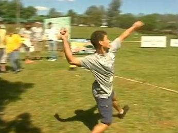 Torneio de Arremesso de Celular (Foto: Reprodução RPC TV)