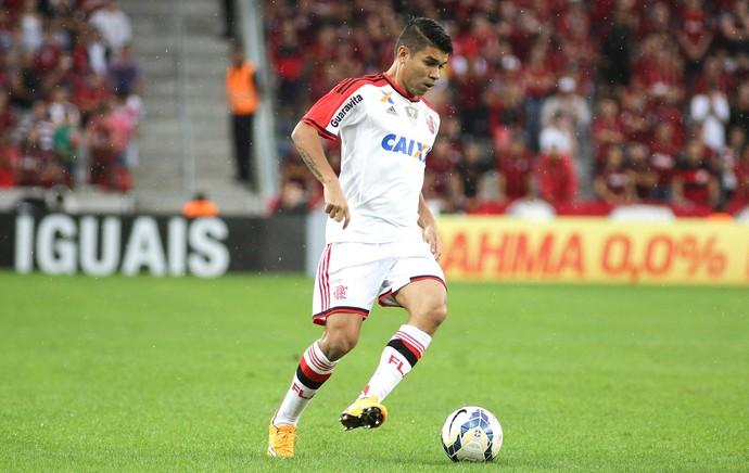 Eduardo da Silva, Atlético-PR X Flamengo (Foto: Joka Madruga / Agência estado)
