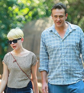 Michelle Williams e Jason Segel (Foto: Jackson Lee / Splash News)