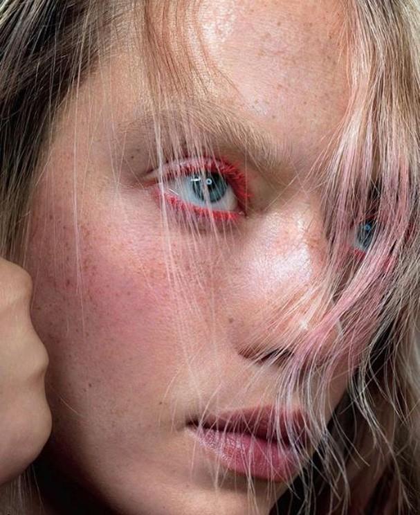 Máscara colorida é o novo hit de beauté (Foto: Reprodução/Instagram)