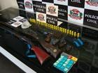 Polícia apreende armas e munições dentro de uma casa em Rio Preto