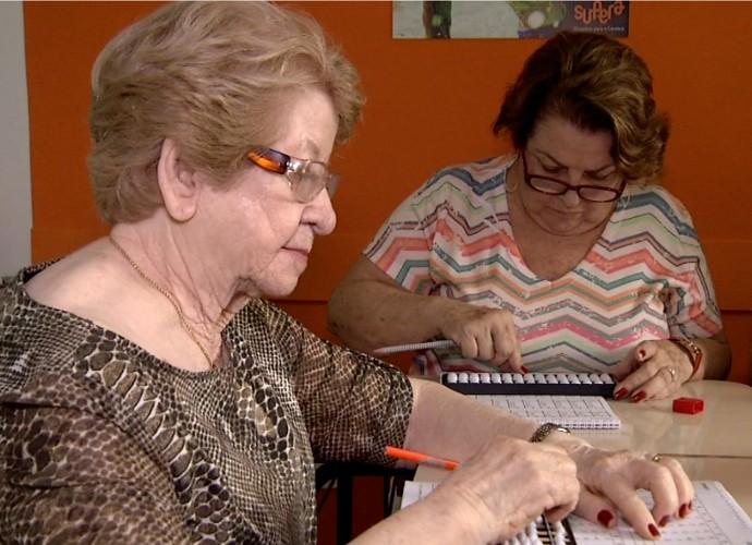 O ábaco é usado para estimular a memória (Foto: Rio Sul Revista)