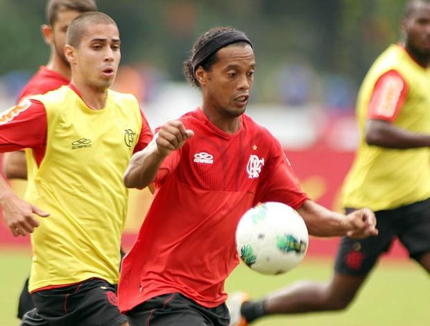 Ronaldinho no Treino do Flamengo (Foto: Maurício Val / VIPCOM)