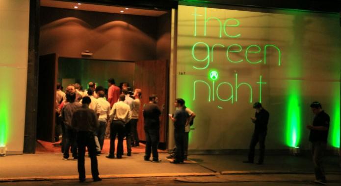 Entrada do salão de festas com o Xbox One (Foto: TechTudo/Renato Bazan) (Foto: Entrada do salão de festas com o Xbox One (Foto: TechTudo/Renato Bazan))
