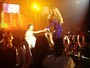 Beyonc leva a filha ao seu show em Londres e canta para ela