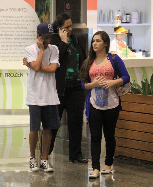 Lívian Aragão passeia em shopping do Rio (Foto: Marcus Pavão / AgNews)