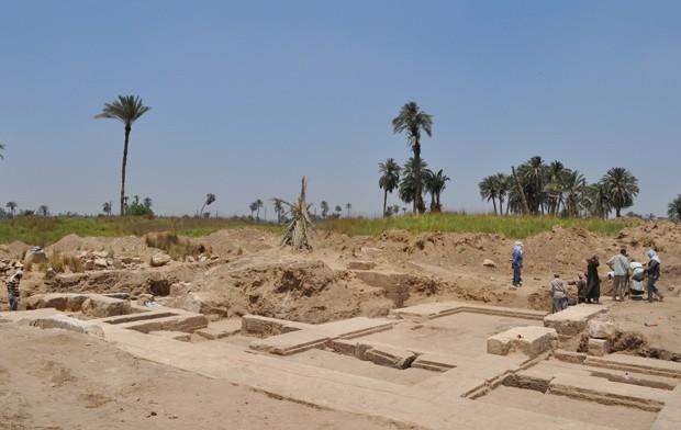 Escavações foram feitas na região de Beni Suef, no Egito (Foto: AFP Photo / HO / Egyptian Ministry of Antiquities)