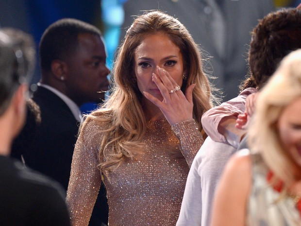 Jennifer Lopez se emociona no 'American Idol' em Los Angeles, nos Estados Unidos (Foto: Kevork Djansezian/ Getty Images/ AFP)