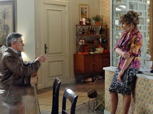 Gláucia e Aroeira botam o romance em dia  (Foto: Geração Brasil / TV Globo)