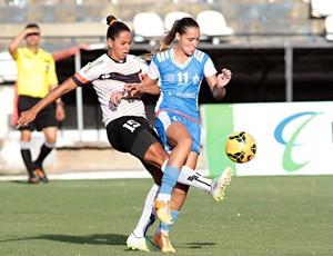 A forte marcação foi um dos destaques da partida entre o União Desportiva, de Alagoas, e o Foz Cataratas (Foto: Christian Rizzi / Foz Cataratas / Divulgação)