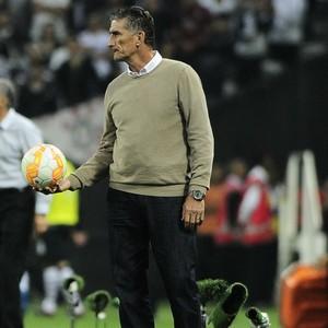 Edgardo Bauza, Corinthians x San Lorenzo (Foto: Marcos Ribolli)