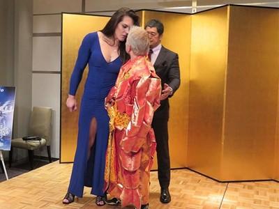 Gabi Garcia x Shinobu Kandori Rizin MMA (Foto: Divulgação)