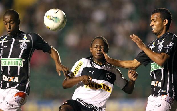 Andrezinho e Helder na partida do Figueirense contra o Botafogo (Foto: Cristiano Andujar / Futura Press)