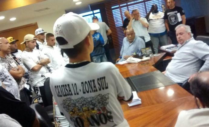 Roberto de Andrade torcedores Corinthians (Foto: Reprodução)