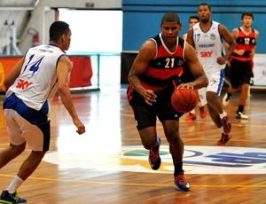 basquete cristiano flamengo e pinheiros (Foto: João Pires / LNB)