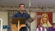 Devoto que repassa mensagens de Nossa Senhora participa de evento no Recife