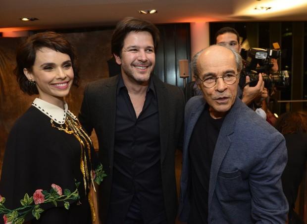 Débora Falabella, Murilo Benício e Osmar Prado (Foto: Fábio Cordeiro/Ed Globo)