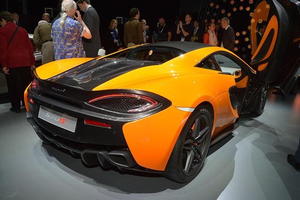 McLaren 570S no Salão de Nova York 2015 (Foto: Newspress)