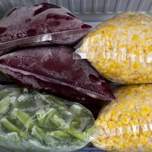 A dica para congelar comida é separar em pequenas porções para consumir em uma refeição (Foto: Thinkstock)