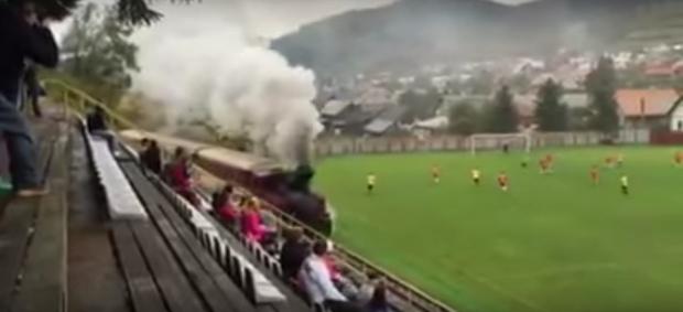 Trem jogo de futebol amador Eslováquia