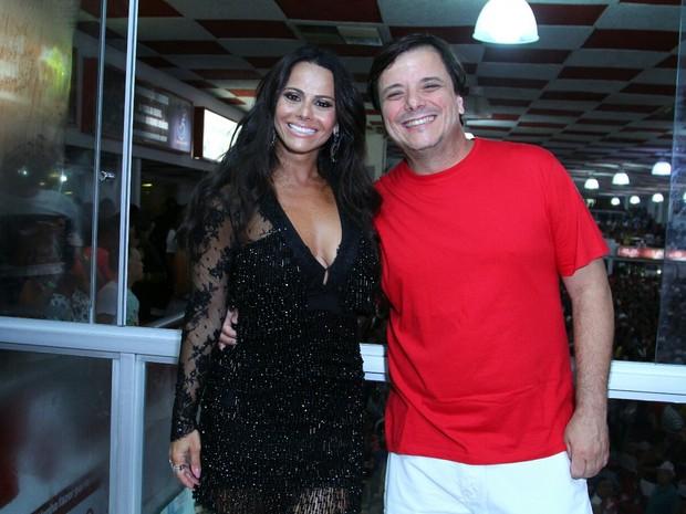 Viviane Araújo e Thelmo Fernandes na quadra do Salgueiro, na Zona Norte do Rio (Foto: Anderson Borde/ Ag. News)