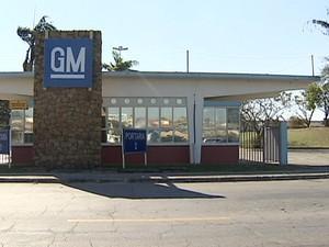 Portaria da General Motors GM em São José dos Campos (Foto: Reprodução/TV Vanguarda)