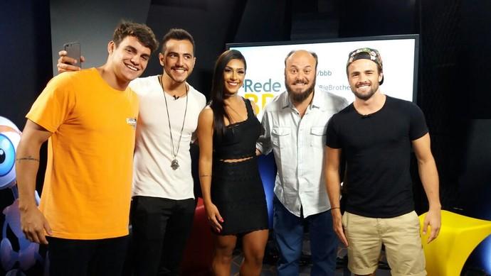 Antônio, Matheus, Amanda e Rafael são convidados do Bate-papo BBB (Foto: Tati Machado/Gshow)