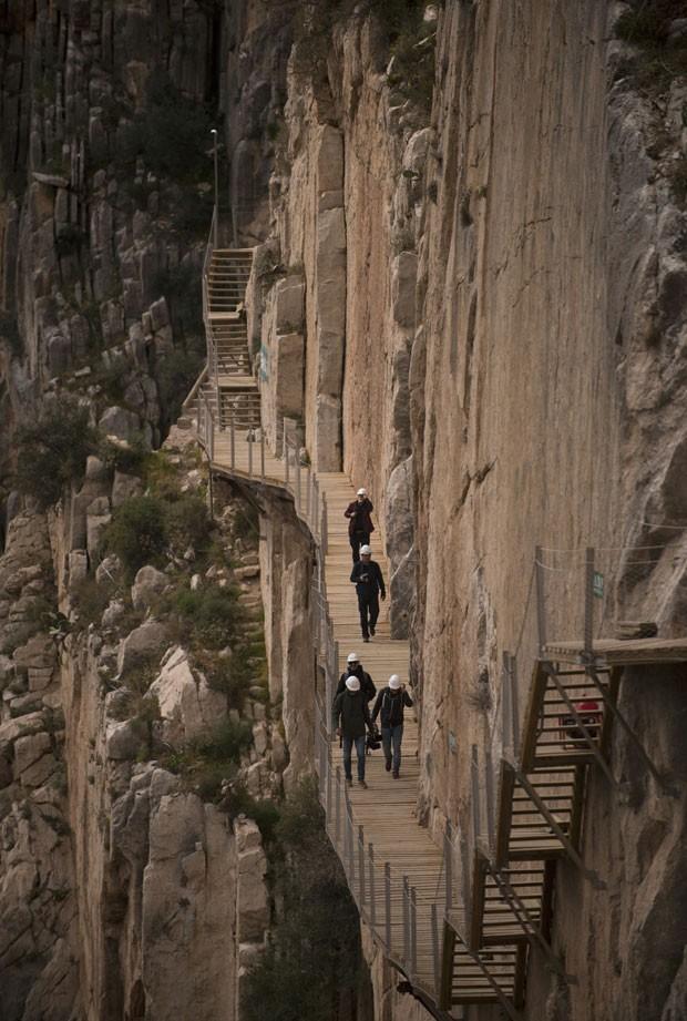O Caminito del Rey fechou após turistas morrerem; agora, ele será reaberto depois de passar por reforma (Foto: Jorge Guerrero/AFP)