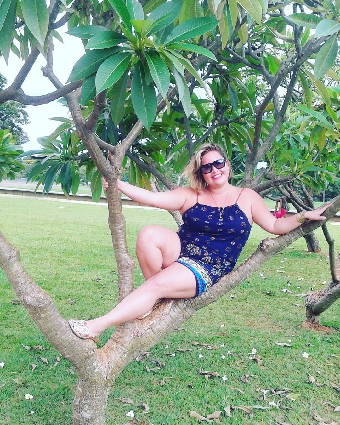Tatiana Lima é bailarina, tatuadora e professora de educação física (Foto: Instagram/Reprodução)