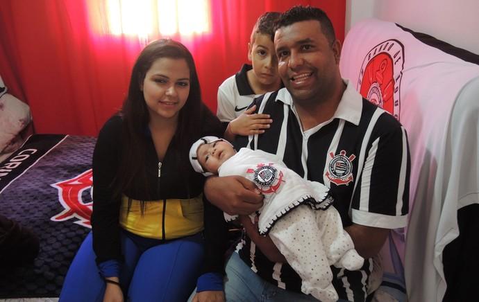 Corinthians bebê (Foto: Marcelo Braga)