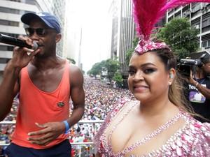 Preta Gil agita bloco de carnaval no Rio de Janeiro neste domingo (3) (Foto: Luiz Ackermann/G1)