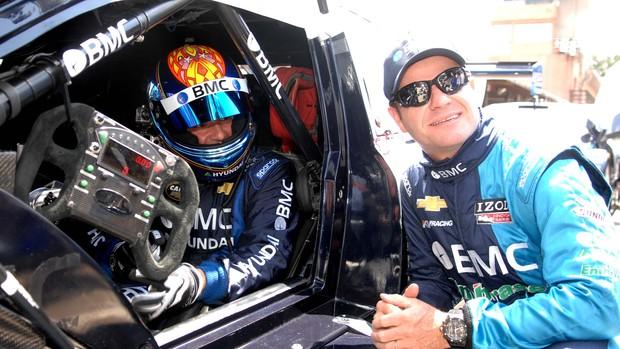 Tuka Rocha e Rubens Barichello, seu novo consultor na Stock Car (Foto: Miguel Costa Jr./ divulgação)