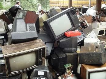 Mais de 15 mil toneladas de lixo eletrônico foram arrecadas em junho, no primeiro mutirão (Foto: Divulgação / Prefeitura de Guarapuava)
