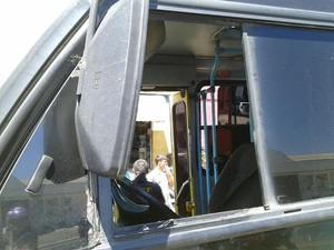 Motorista de ônibus foi atingido por tiros em Petrolina (Foto: Divulgação / Polícia Rofoviária Federal)