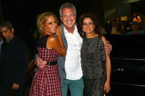 Andrea Beltrão, Pedro Bial e Marieta Severo (Foto: Iwi Onodera/ EGO)