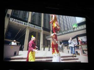 Flynn apresentou vídeo de ação nas ruas com artistas do circo (Foto: Gabriela Gasparin/G1)