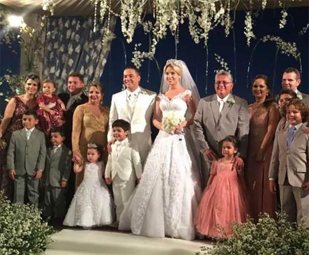 Maria Valmira, no casamento do filho Wesley Safadão  (Foto: Reprodução/Facebook)