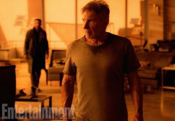 Harrison Ford no set da continuação 'Blade Runner' (1982) (Foto: Divulgação)