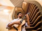 Cantor Vinícius Muniz lança disco sobre Bach no Sesc Campinas