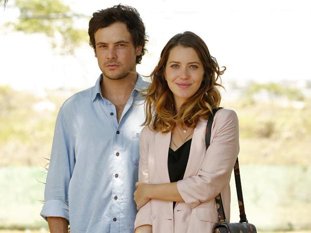 Laura e Caíque seguem separados. Será que tem volta? (Foto: Felipe Monteiro/ Gshow)