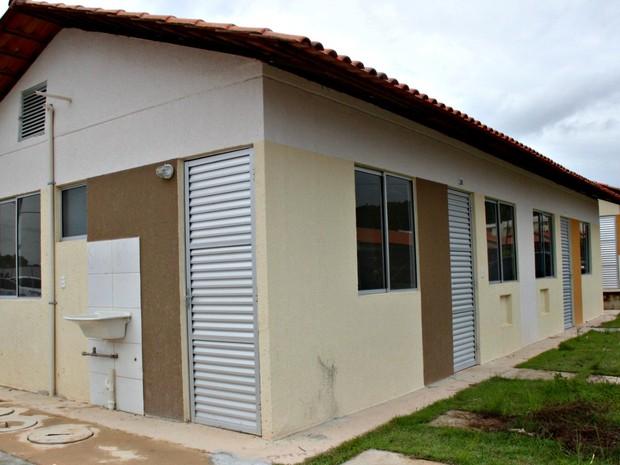 Segunda etapa do Residencial Viver Melhor foi entregue no último mês de fevereiro (Foto: Adneison Severiano/G1 AM)