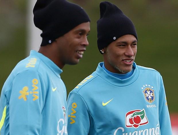 Neymar ronaldinho gaucho brasil treino (Foto: Agência Reuters)