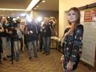 Marina Ruy Barbosa rouba cena durante premiação no Rio