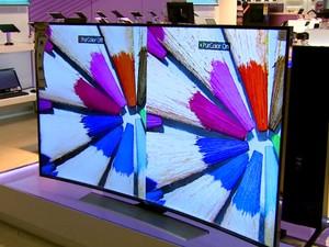 Novo material pode ser usado para desenvolver produtos com telas flexíveis (Foto: Paulo Chiari/ EPTV)