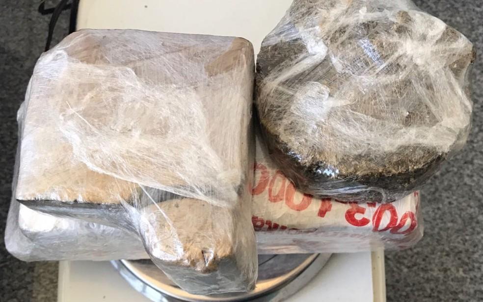 Agentes prisionais encontraram 1 kg de maconha entre as pernas da mulher (Foto: Reprodução)