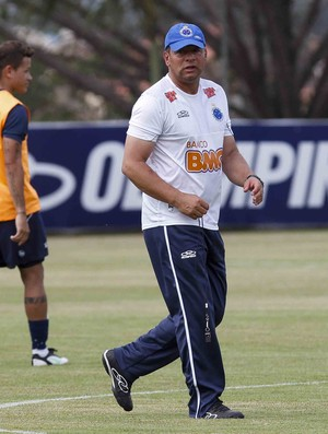 Celso Roth, técnico do Cruzeiro (Foto: Washington Alves/VIPCOMM)