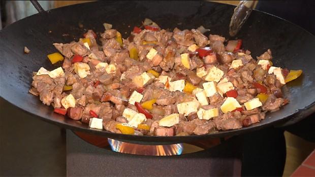 Neste domingo (25), aprenda a fazer Carne de Tacho do Guartelá (Foto: Reprodução/RPC)